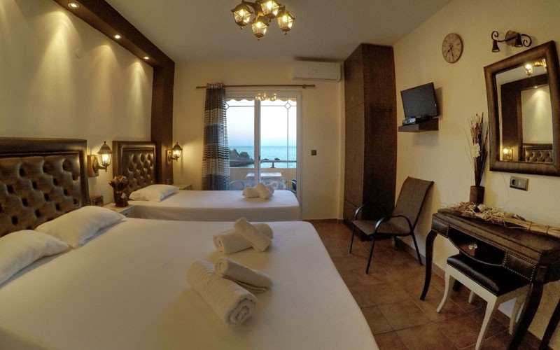 Royal Room No.4